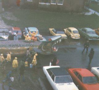 """Diesmal ein Karnevalszug Mitte der 80er, aufgenommen bei der Fahrt durch den """"Buschacker"""""""