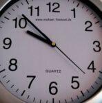 www.michael-floessel.de Uhr!